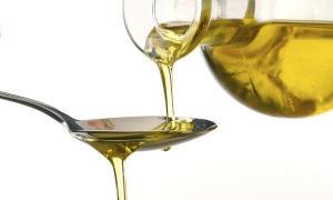 น้ำมันหมู VS น้ำมันพืช ตกลงอันไหนมีประโยชน์มากกว่ากัน?