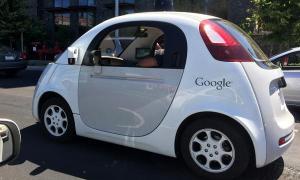 ของจริง! รถ 'Google' ไม่ง้อพวงมาลัย แค่กดปุ่มก็วิ่งได้เอง!