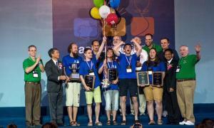 ม.เซนต์ปีเตอร์สเบิร์กสเตท คว้าแชมป์โลกเขียนโปรแกรมนานาชาติ