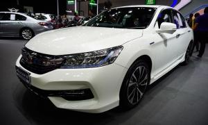 Honda Accord Hybrid ไมเนอร์เชนจ์ใหม่ ถูกลง 5 หมื่น