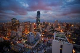 """ล้มทุกสถิติ.. """"ตึกมหานคร"""" ตึกสูงระฟ้าที่สุดในประเทศไทย!!"""