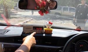 จับแท็กซี่โกงมิเตอร์คนจีน 2,540 บาท เจอสั่งโทษคุก!