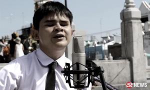 ซาบซึ้ง หนุ่มตาบอดแต่งเพลงอาลัย ร.9 แม้เกิดมาไม่เคยเห็นท่าน