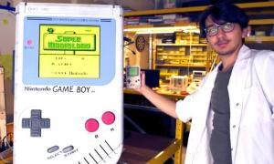 นักเรียนเบลเยียมสร้างเกมบอยยักษ์ สูง 100 ซม.