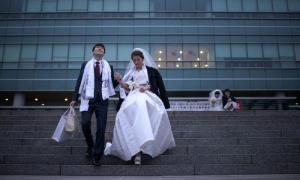 เกาหลีใต้สอนวิชา 'เดท' แก้ปัญหาอัตราการเกิดต่ำ