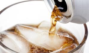6 อันตรายที่คาดไม่ถึงจากน้ำอัดลม Zero Calorie